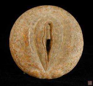12000-jahre-alte-bi-scheibe-mit-darstellung-einer-vagina