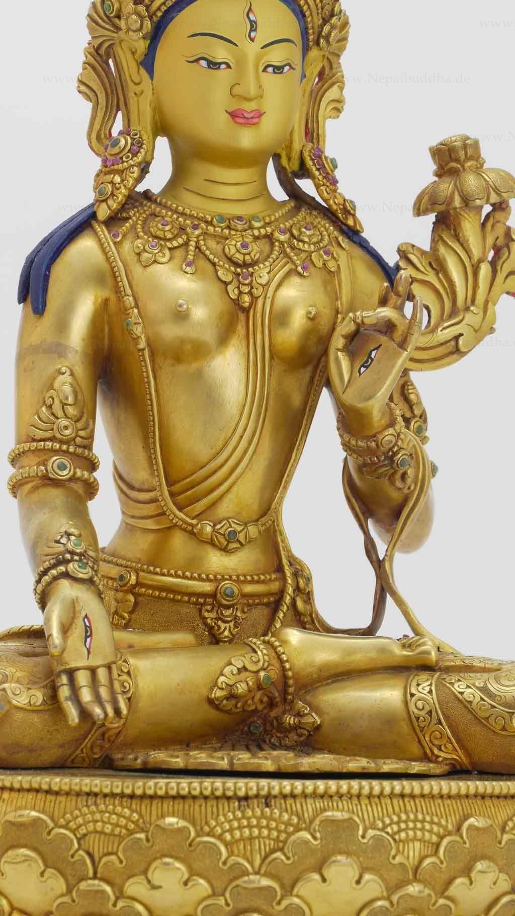 goldene-weisse-tara-ming-tang-tempel-006